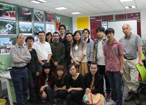 Los arquitectos de Baum con miembros de su 'partner' chino para construir la Ciudad del Conocimiento en Guiyang (China).