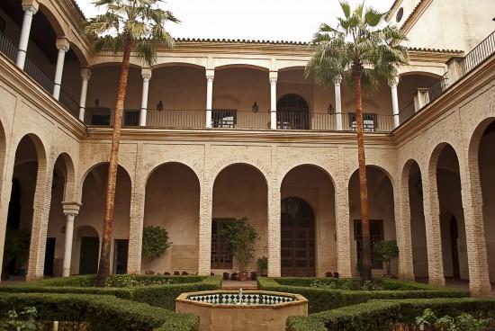 Palacio_de_los_marqueses_de_algaba_001