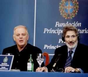 Barenboim y Said recibieron en el Premio Príncipe de Asturias de Cooperación y Humanidades