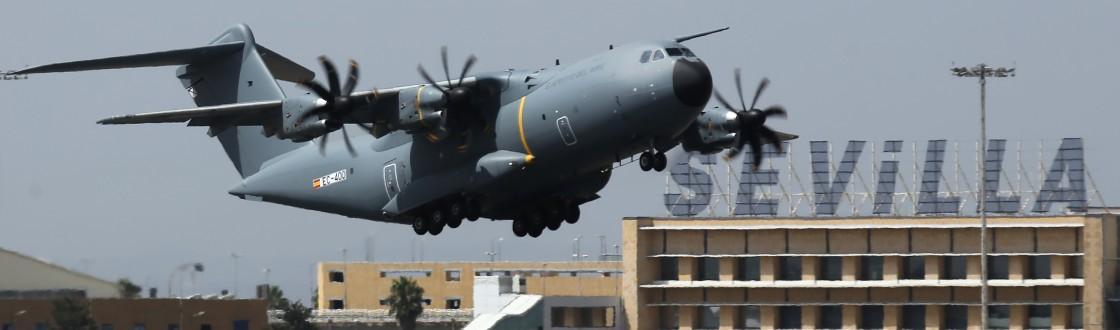 El avión A400M es el proyecto industrial y militar más importante de cooperación hispanobritánica en relación con Sevilla